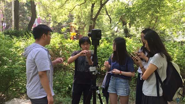 同學體驗VR拍攝